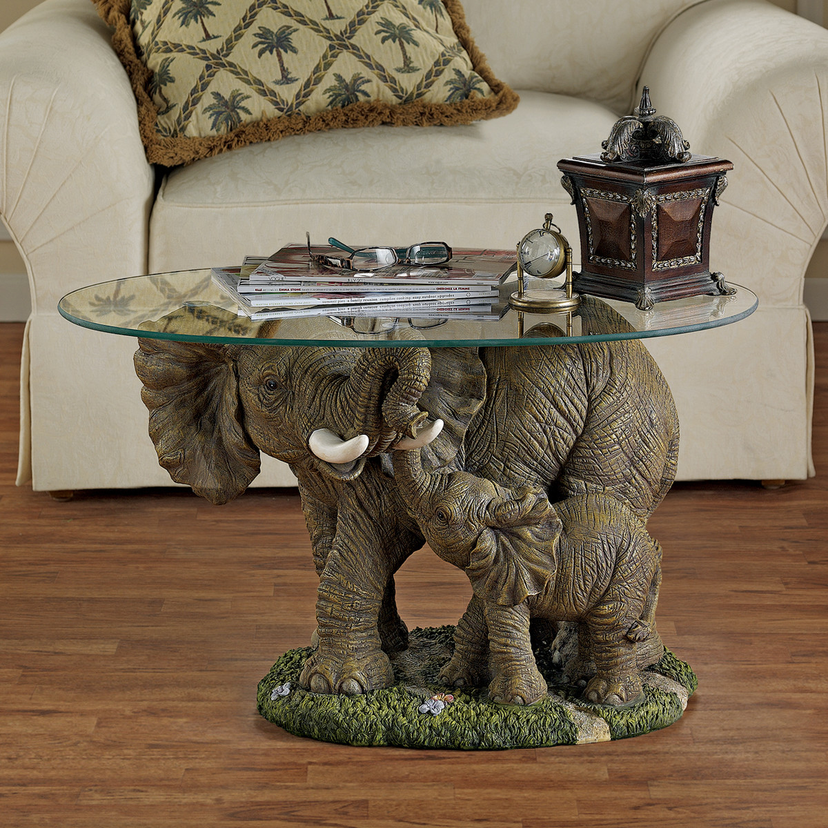 design-toscano-elephants-majesty-coffee-table-with-glass-top