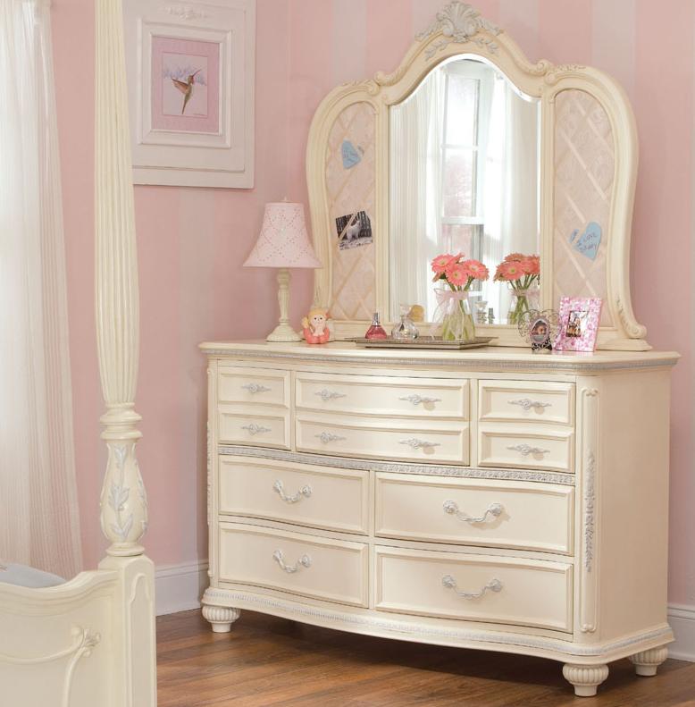 White Drawer Dresser
