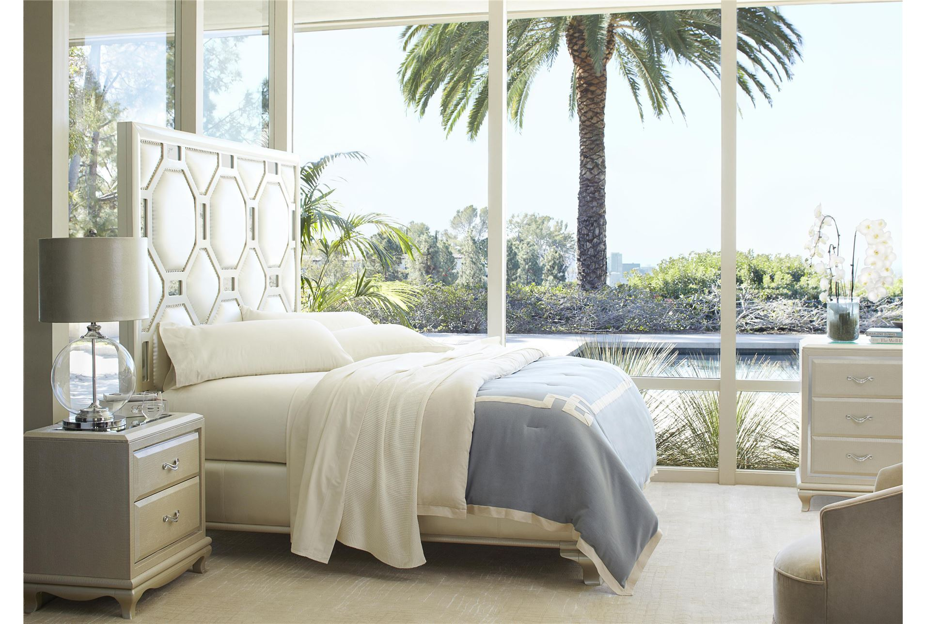 After Eight Pearl Queen Size White Bed