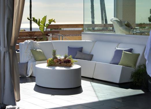 White La Fete 5 Piece Outdoor Seating  Set